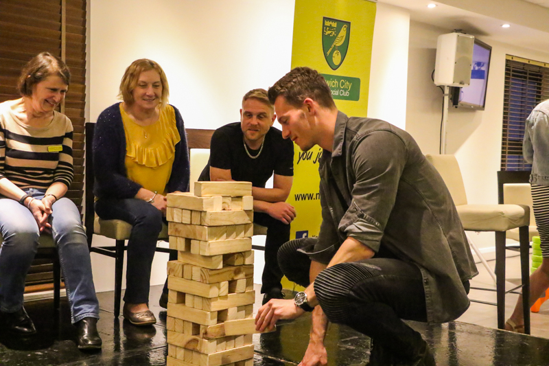 Social Night Jenga - Christoph Zimmermann